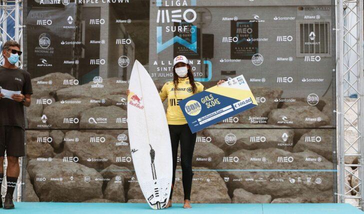 57116Inovador Bom Petisco Girls Score ajudou a elevar fasquia no surf feminino