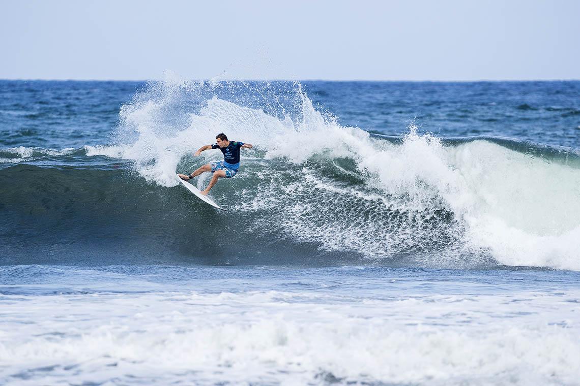 57540(4) portugueses caem para a repescagem no French Rendez-Vous of Surfing