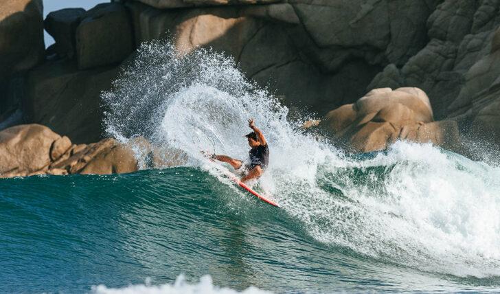 61670Griffin Colapinto | Free surf e drama em Barra de la Cruz