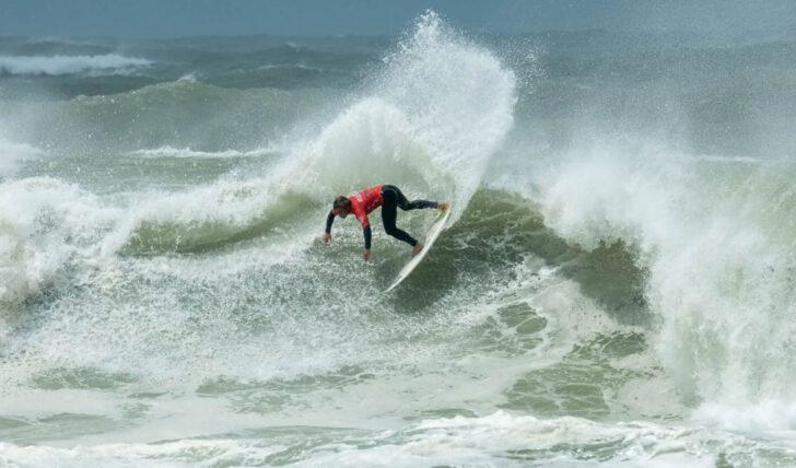 61690Melhores surfistas nacionais regressam a Peniche dentro de 10 dias