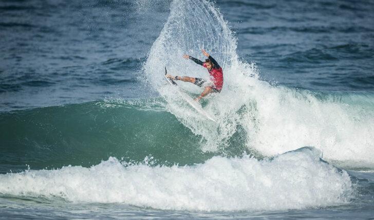 62359Frederico Morais é o único surfista português ainda em prova no Quiksilver Pro France